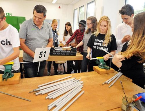 Schüler helfen dem Erlanger Triathlon